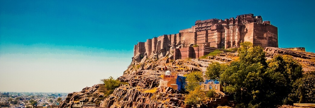 The_Mehrangarh_fort-tour-guide-taxi-hire-car-booking